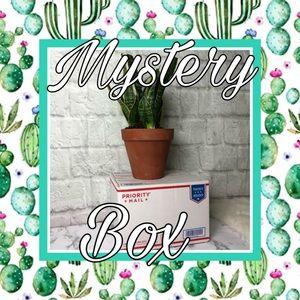 ❤️ Women's SMALL MYSTERY BOX Reaellers sale!!! ❤️